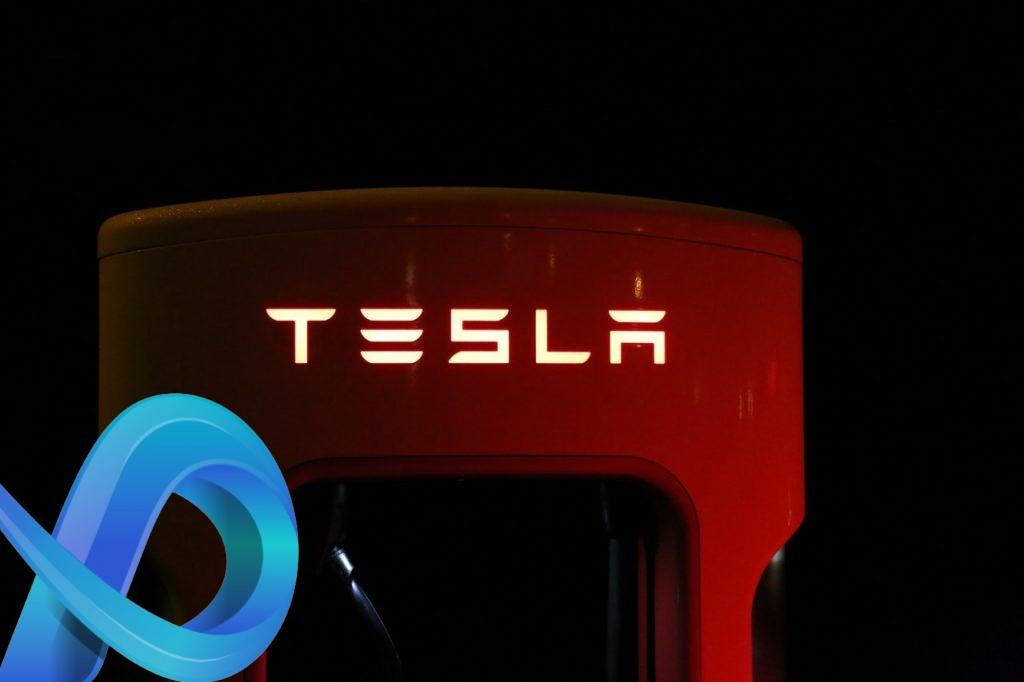 Voiture connectée, Tesla en avance